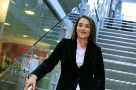 Dr Simona Soare