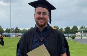 thomas-wakelin-graduating