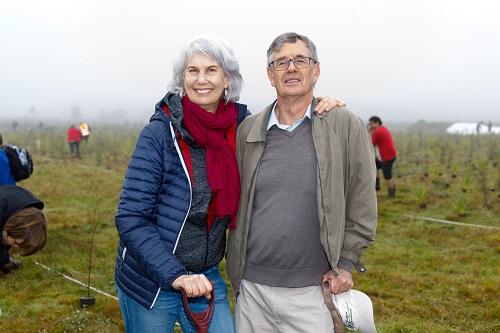 Mayor Paula Southgate with Professor Bruce Clarkson from Waikato University