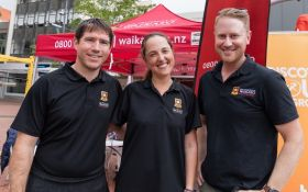 (L-R) Dr Martyn Beaven, Dr Kim Hébert-Losier and Dr Matt Driller were researching runners fatigue at Round the Bridges.