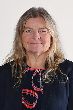 Associate Professor Tracy Bowell